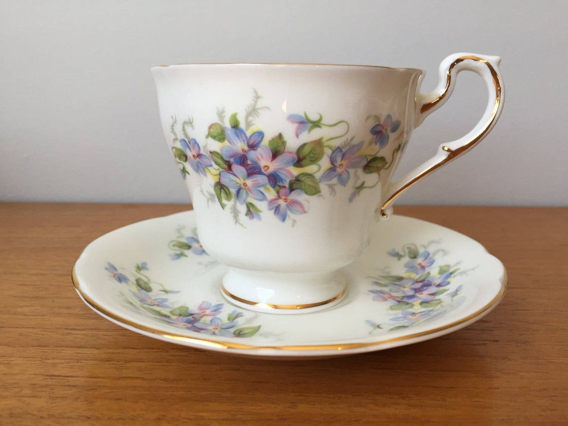 Paragon Violets Flower Tea Cup and Saucer, Teacup and Saucer, English Flowers Series Vintage Bone China Cup