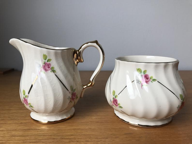 Sadler Cream and Sugar set, Pink Rose Creamer and Sugar Bowl, Ditsy Rose