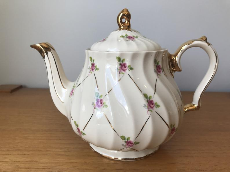 Sadler Teapot, Ditsy Rose Gold Tea Pot, 2790 Pink Rose English Teapot, Tea Party, Tea Time, Floral Earthenware