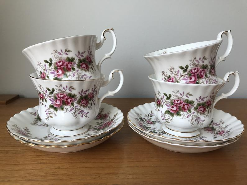 Royal Albert Lavender Rose Vintage Teacups and Saucers, Pink Rose Tea Cups and Saucers, Bone China, Tea for Four