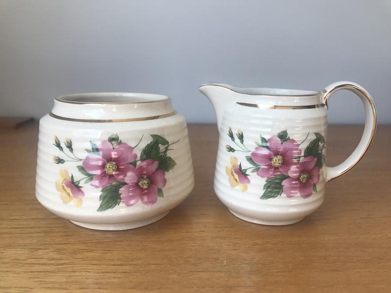 Sadler Pink Flower Cream and Sugar set, Floral Creamer and Sugar Bowl