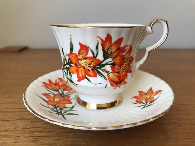 Royal Windsor Prairie Lily Orange Tiger Lily Vintage Teacup and Saucer, English Floral Tea Cup and Saucer, Tea Party, Saskatchewan Flower